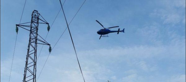 Diagnostic par hélicoptère des réseaux électriques du village
