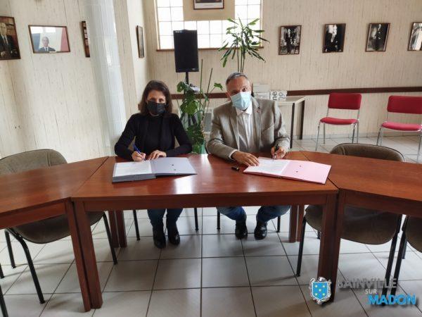 Signature de la convention de rétrocession des voiries du Jardin du Madon (1er juillet 2021)